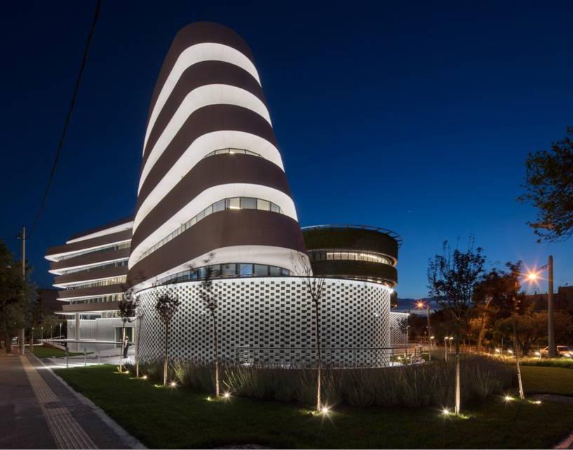 Το εντυπωσιακό κτίριο της Anangel Maritime Group στην Καλλιθέα - Φωτό: Dimand