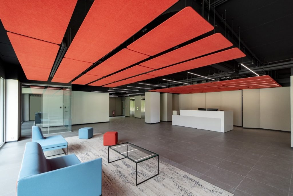 Το σύγχρονο κτίριο γραφείων της Noval στο Χαλάνδρι - Φωτό: Redex