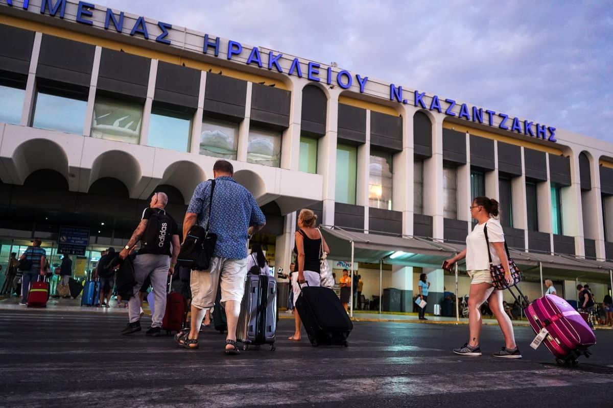 """Το αεροδρόμιο """"Νίκος Καζαντζάκης"""" στο Ηράκλειο Κρήτης - Πηγή: EUROKINISSI/ΣΤΕΦΑΝΟΣ ΡΑΠΑΝΗΣ"""